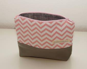make-up bag, makeup bag, make up bag, cosmetic bag, cosmetic pouch, make-up pouch, make up pouch, make-up pouch