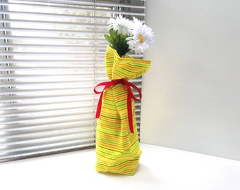Mexican Wine Bag, Bottle Sleeve  Reusable Gift Wrapping, Yelllow Wedding Decor, Party Favor Fiesta Table Decor