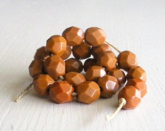 25 Opaque Umber 6mm Faceted Rounds - Czech Glass Beads