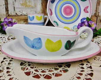 Gravy Boat with Under Plate Set/Caleca Melisso Pattern/Italian Pottery/Hand Painted Made in Italy/White-Pink-Blue-Green-Yellow/Vintage