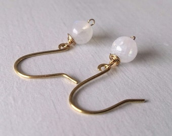 moonstone earrings,dainty earrings,earrings,boho earrings,gift for her,gemstone jewelry,minimalist jewelry,hippie earrings,boho jewelry,moon
