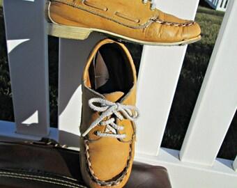 Vintage Women's Dexter Bowling Shoes | Boat Shoe Tan Leather Rockabilly Shoes | Women's Leather Rockabilly Boat Shoe Styling Bowling Shoes