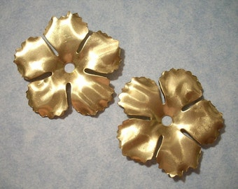 2 Large Brass Flowers with Serrated Edges