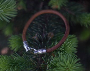 The Viking Style bracelet. Silver and genuine leather.
