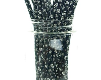 Skeleton Skulls Straws (25 Pack), Halloween Straws - Skull & Crossbones Pattern Paper Straws,Pirate Party Supplies, Halloween Straws
