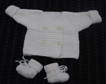 Set off white vest and booties size 3 months