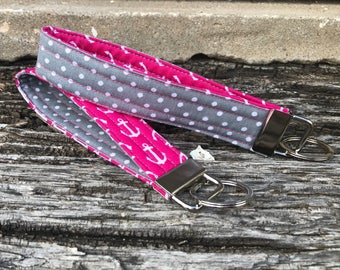 Wristlet Keychain Pink Anchor/Gray Dots