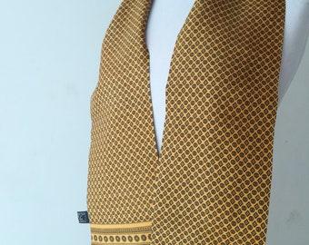 Men's scarf in vintage gold silk.