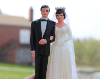 1950's Bride and Groom Cake Topper / 1950's Wedding Couple / Vintage Bride and Groom / Never Opened New
