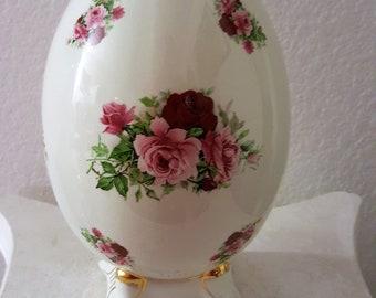 Formalities 9 Inch Ceramic Egg