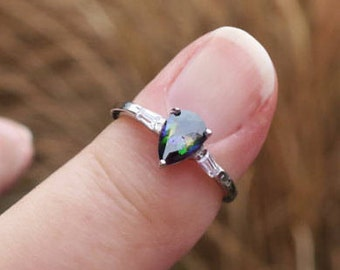 Vintage 925 Sterling Silver Peacock CZ Ring