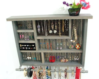 Wall hanging earring holder