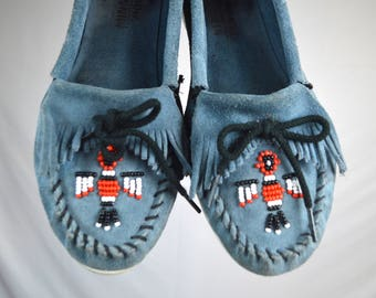 Minnetonka Beaded Blue Leather Vintage Moccasin Shoes - Size 10