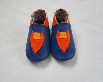 Soft booties in blue leatherette Fox pattern