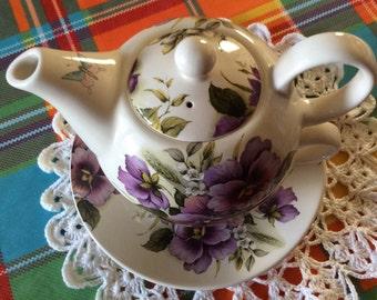 Royal Garden selfish teapot Teacup and saucer floral pattern