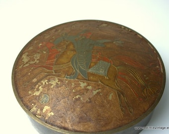 Vintage Jewelry Box - Brass Jewellry Container -  Round Brass Container with Japanese Samuri Depiction, Bedroom Decor - Office Decor