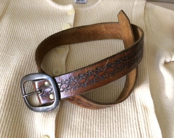 Vintage 70's embossed tooled leather belt 26 to 30 festival bohemian wear