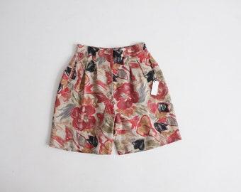 floral linen shorts | high waist floral shorts | dark floral shorts