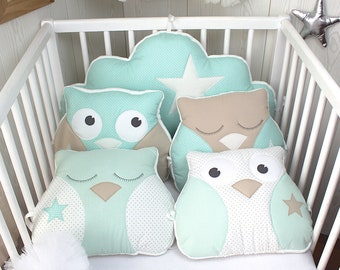 Bumper 70cm wide, or child's room decoration, baby OWL and cloud, sea green and beige.