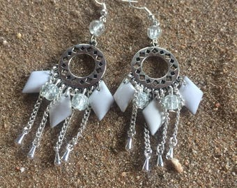 Bohemian earrings in white and silver
