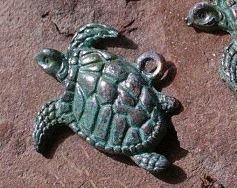 Patina , Sea TURTLE ,  VERDIGRIS patina charm 2 pcs