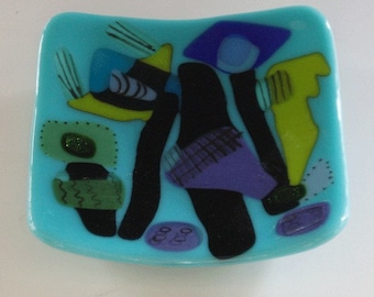 Whimsical fused glass bowl - 50s style patterns
