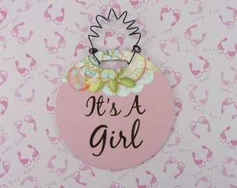 ITS A GIRL Tiny Sign Pink Gender Reveal Wreath Decor Baby Shower Gift Hanging Curly Wire Plastic 4 inch Ornament Gift Basket Embellishment