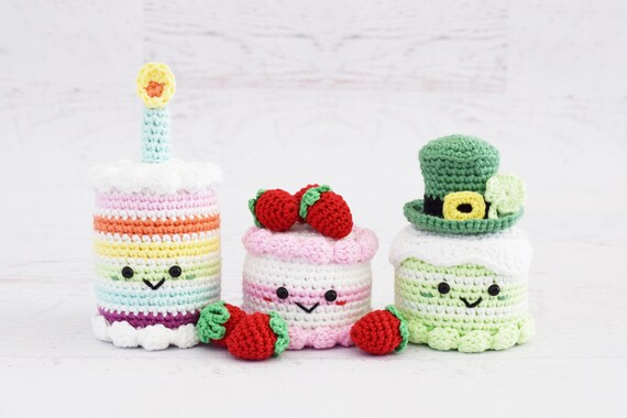 CROCHET PATTERNS - Rainbow Birthday Cake and Strawberry Dream Cake ...