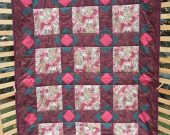 Border Flowers on Burgundy Lap Quilt