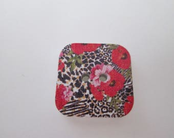 x 5 square wood 17 x 17 mm floral and leopard buttons