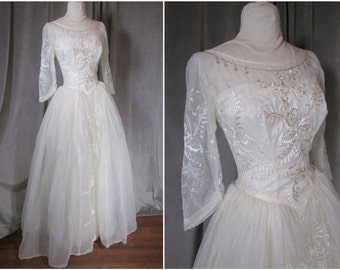 "Vintage 1950s Wedding Ball Gown. Size S-M. US 4/6. Embroidered Organza. Pearl Beading. Covered Buttons. Circle Skirt Sweeps to 268"". Dreamy!"