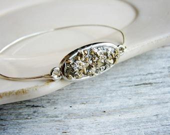 Faux Druzy Bracelet, Faux Stone Bangle Bracelet, Resin Jewelry, Stacking Bracelet, Gold and Silver Glitter Bracelet, Geology Jewelry