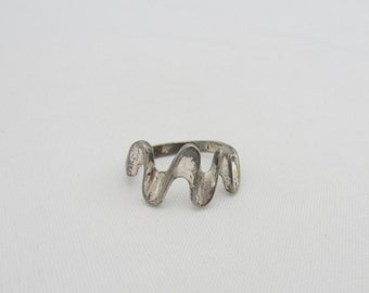 Vintage Sterling Silver Swirly Band Ring Size 8.25