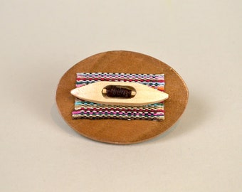 Weaver's Pin in Light Brown