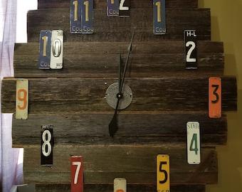 Barnboard Clock
