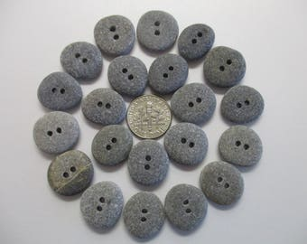 BEACH SEA STONE 17mm Buttons 21 Double Drilled Grey Black Khaki Natural Stones Real Surf Tumbled Sewing Knitting Rock Pebble Button Peb 1424