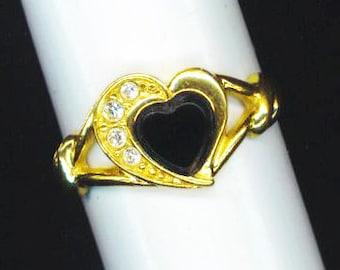 Vintage Onyx Golden Ring . Halloween Heart .  Black Onyx Heart . Cubic Zirconia . Valentine's day  - Romantic Story by enchantedbeas on Etsy