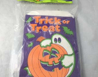 Package of 40 Vintage 1990s Paper Halloween Trick or Treat Bags with Ghost and Pumpkin