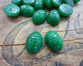 Vintage Scarab Glass Cabochon 16x12mm Cabochon Opaque Green(2) WS105