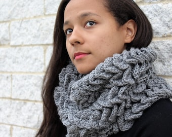 Crochet winter scarf,  The Abela- Grey Fall fashion scarf, Gift for her, Korean fashion, Knit with ruffles