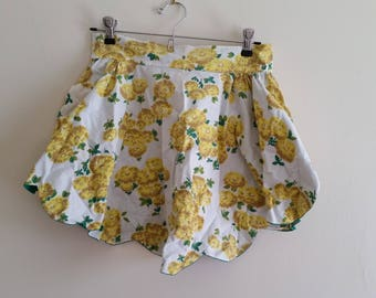 skirt apron 1960s apron scalloped apron vintage hand made apron yellow floral reversible emerald green apron hostess apron, gift for baker