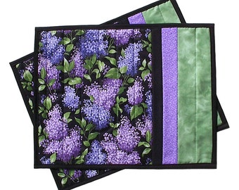 Purple Lilacs Placemats pair, handmade quilted floral blooms, 14 x 17