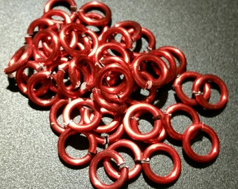 Ausverkauf!!! 10mm 13 Gauge Farbe beschichtet Aluminium Biegeringe in rot... 45 ct.