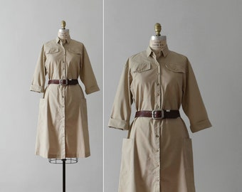 beige utility dress / vintage duster shirt dress with pockets / womens S