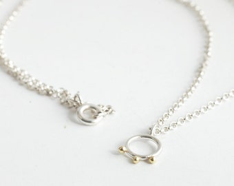 Simple Silver necklace with Circle Flower Charm and fine chain