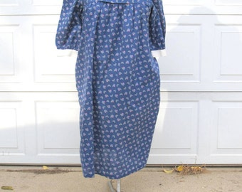 1960s womens blue floral dress with Peter Pan collar and white cuffs, size L