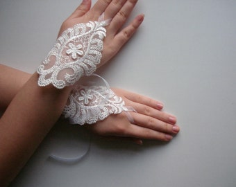 Ivory Wedding lace gloves, White Lace Bridal Gloves Fingerless Lace Ivory White Gloves, ivory bridal gloves