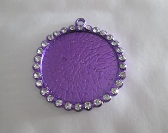 a pretty purple pendant with Rhinestones, holder for cabochon 25 mm