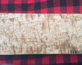cutting board in Maple pomele