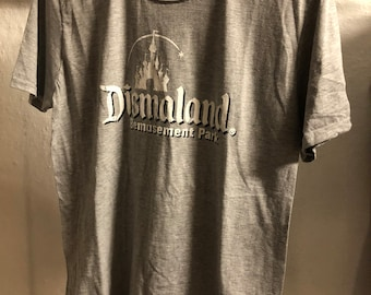 Adult  (Medium) - Grey : Banksy - Dismaland T-Shirt (1180)